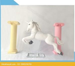 Mô hình xốp mút 3d ngựa có sừng đạo cụ trang trí tại hà nội